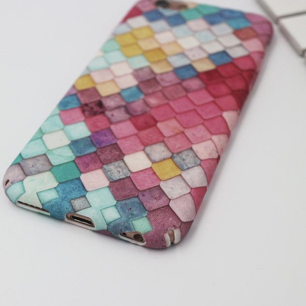 Multicoloured Plastic Fish Scales Printed iPhone 7 Plus Back Cover